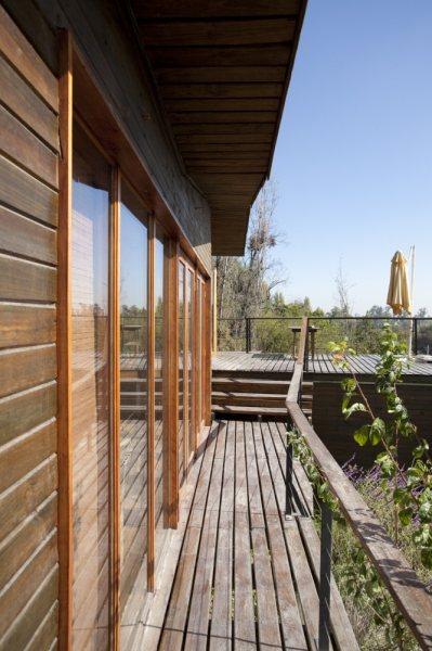 Casa de madera sobre colina inclinada casas de madera - La casa de madera ...