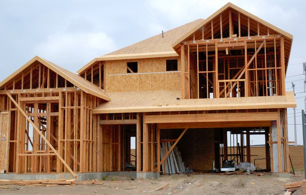 Errores y retrasos en la construcci n casas de madera for How much is it to build a house in texas