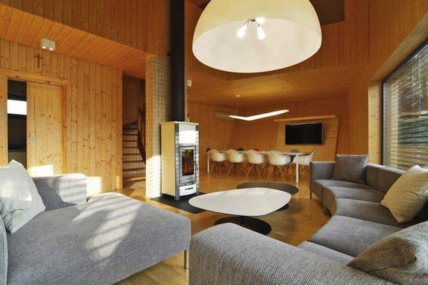 Casa de madera tradicional de eslovaquia casas de madera - Casas de madera interiores ...